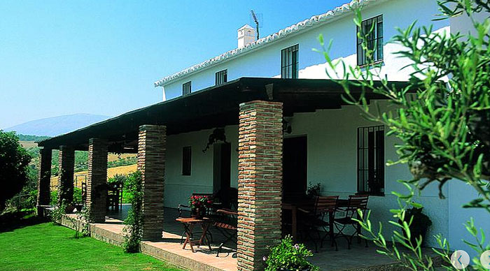 The main house in beautiful surroundings at Cortijo Valverde